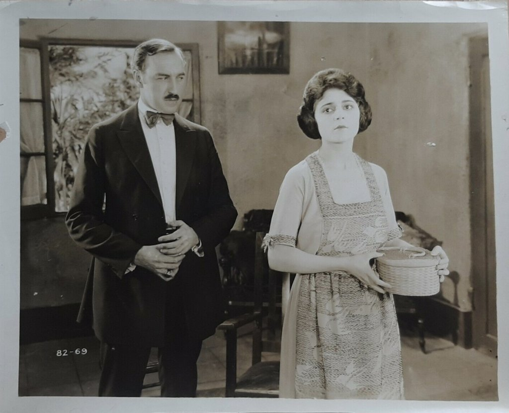 Claire Adams and Robert McKim in Man of the Forest (1921)