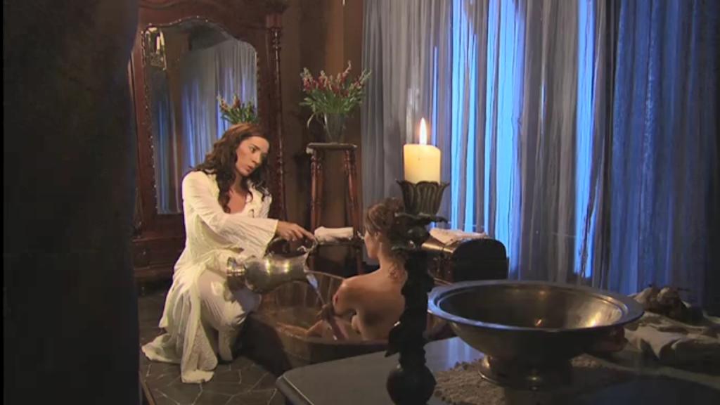 El Zorro, la Espada y la Rosa telenowela Zorro odcinek 2 - Almudena i Esmeralda