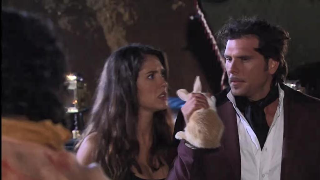 El Zorro, la Espada y la Rosa telenowela Zorro odcinek 2 - królik z kapelusza